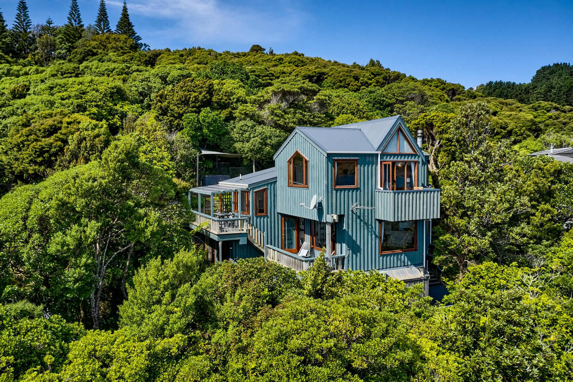 80 Cluny Road, Plimmerton