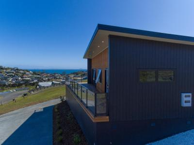 14-freyja-crescent-coopers-beach
