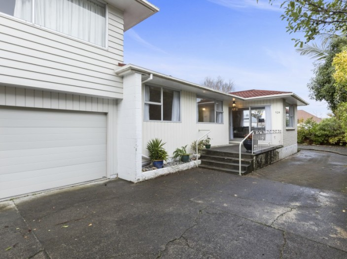 52a-queens-grove-central-hutt