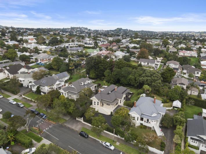 126 Grange Road, Mount Eden