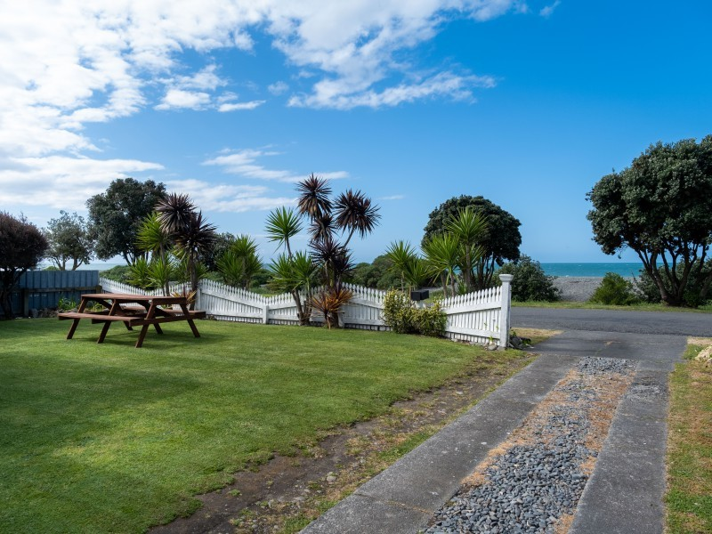 102 Beach Road, Haumoana