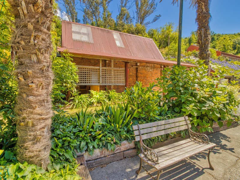 32 Main Street - The Brick Cottage, Hospital Hill