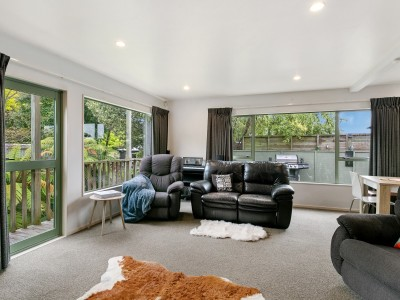 unit-2-16-arrowsmith-avenue-waipahihi