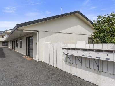 unit-1-44-malfroy-road-victoria